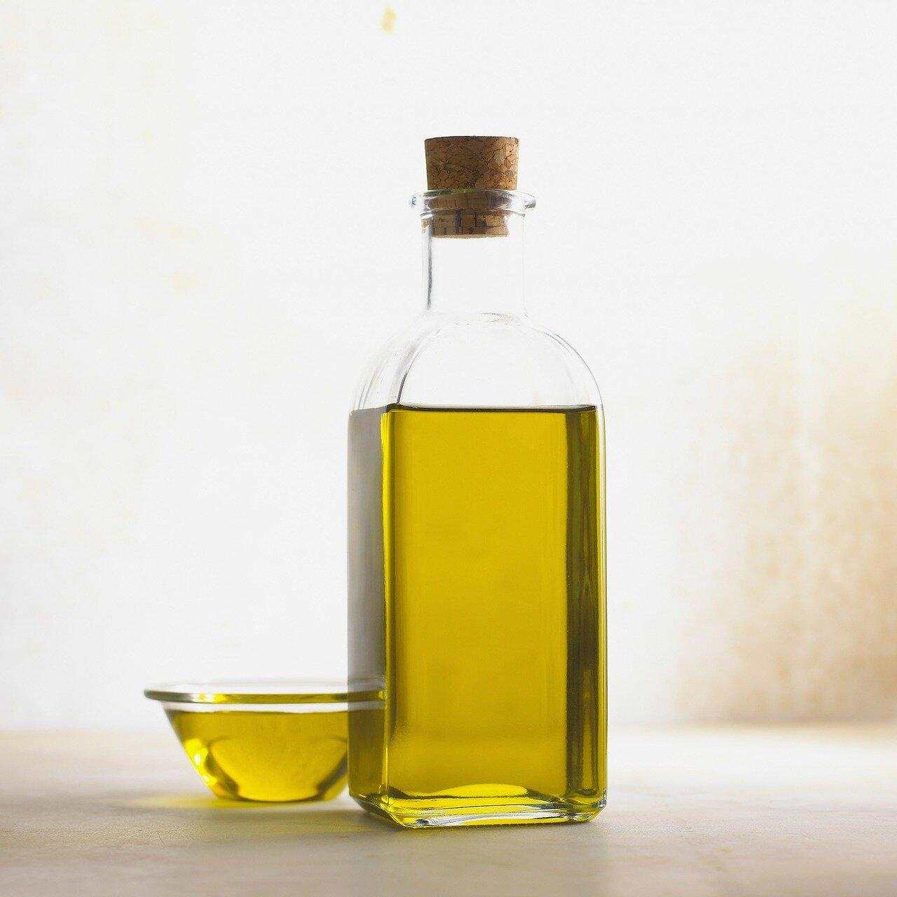Dobroczynne oleje. Olej z pestek moreli, z awokado i marula