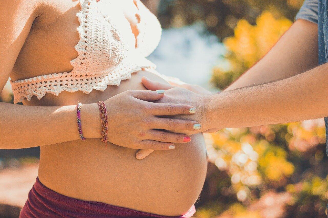 Młody, zielony jęczmień w ciąży. Czy będąc w ciąży można stosować młody jęczmień?
