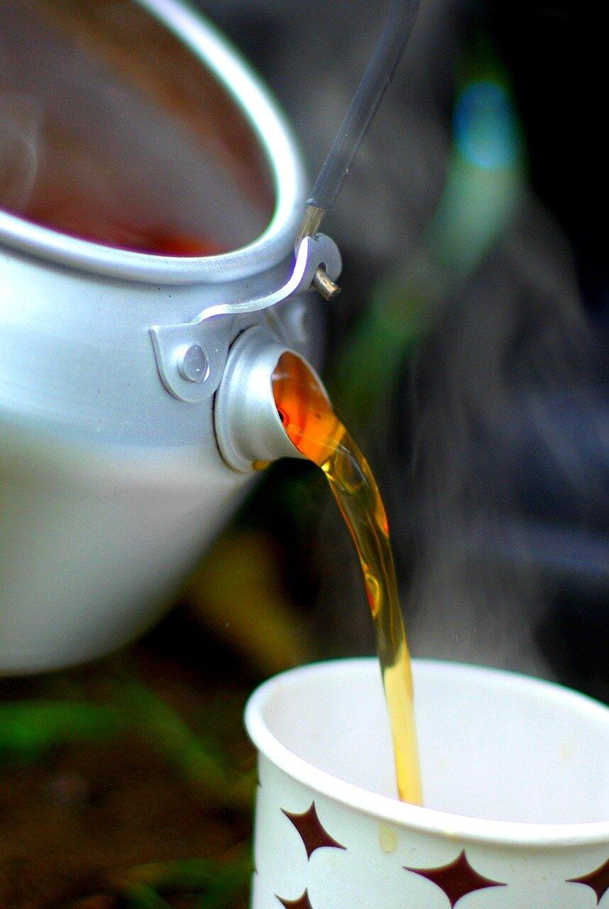 Czy zielona herbata pobudza, czy relaksuje?